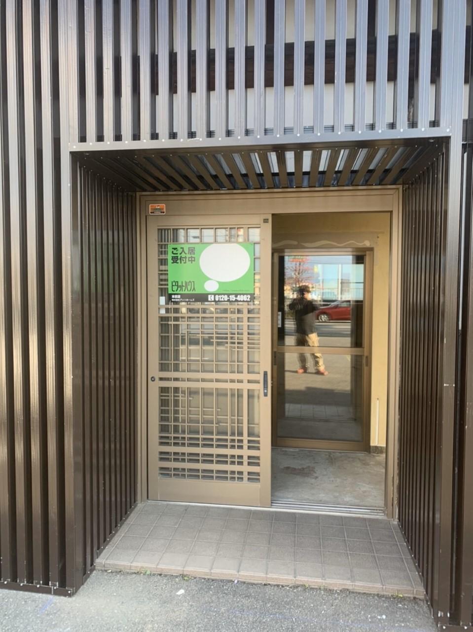 外壁に和モダンな格子のリフォーム施工例